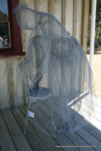 Prima ballerina - cleverly made of chicken wire