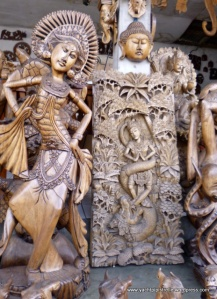 Decorative screen and dancer
