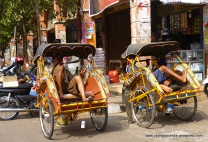 Becak drivers relaxing!