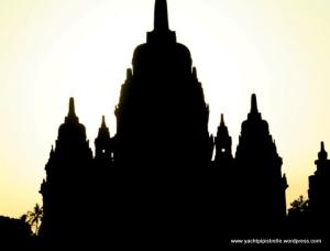 Candi Sewu silhouette