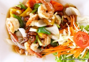 Prawns and cashews