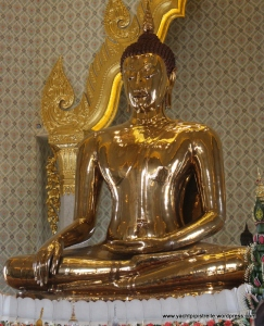 Solid Gold Buddha at Wat Traimit