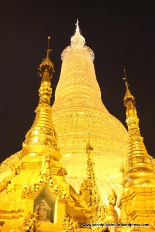 The main stupa at Schwedagon