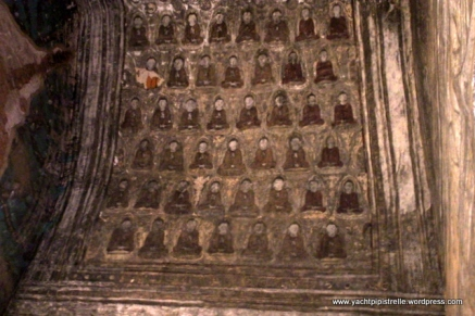 Buddha images in roof arch