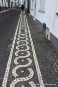 Mosaic patterned pavement